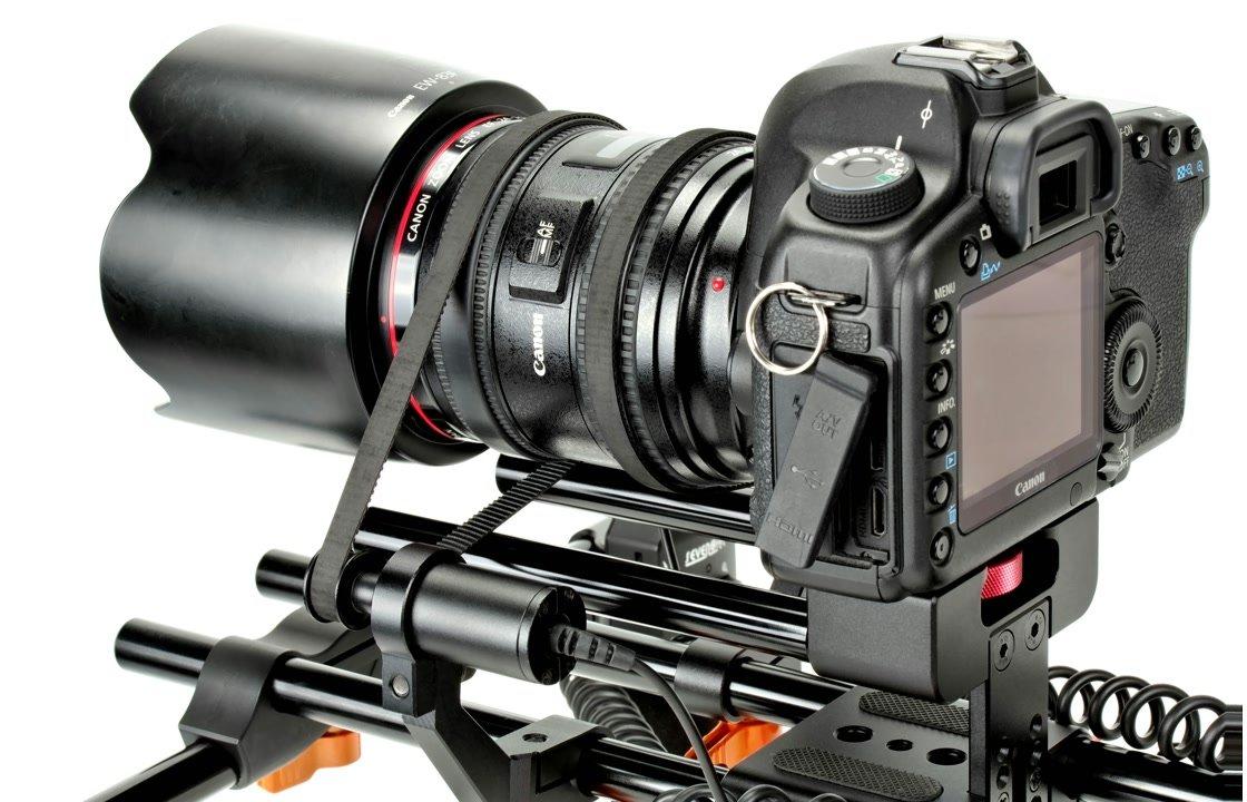 Canon 5D Mark II mit 24-70 f2.8 Objektiv und SevenOak Elektro Rig.