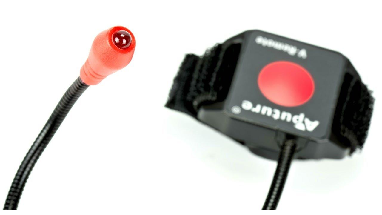 Eine Infrarot-LED sendet das Steuersignal zur Kamera.