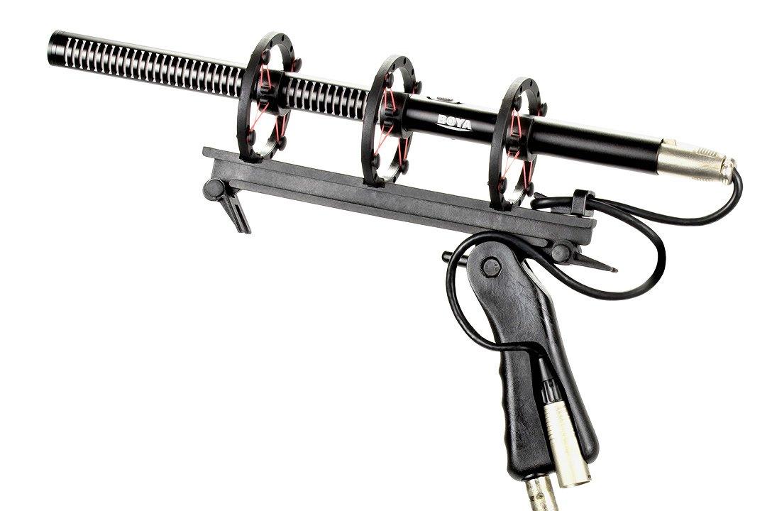 Mikrofonspinne mit dreifacher Aufhängung und BOYA Richtmikrofon.