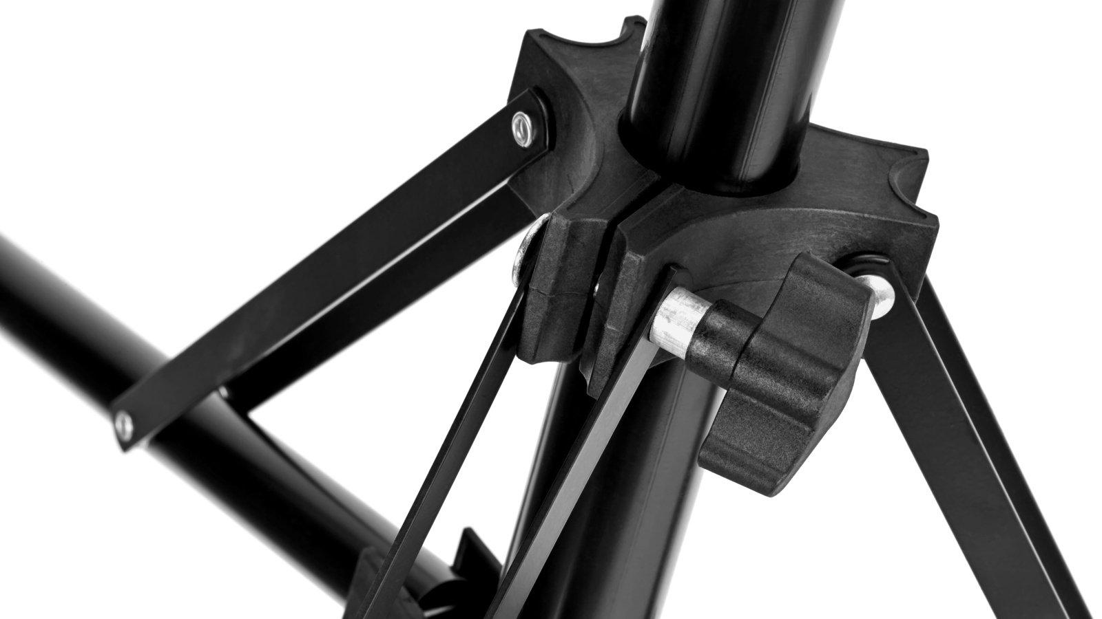 Die Beine werden über einen Kunststoffverschluss zuverlässig in Position gehalten.
