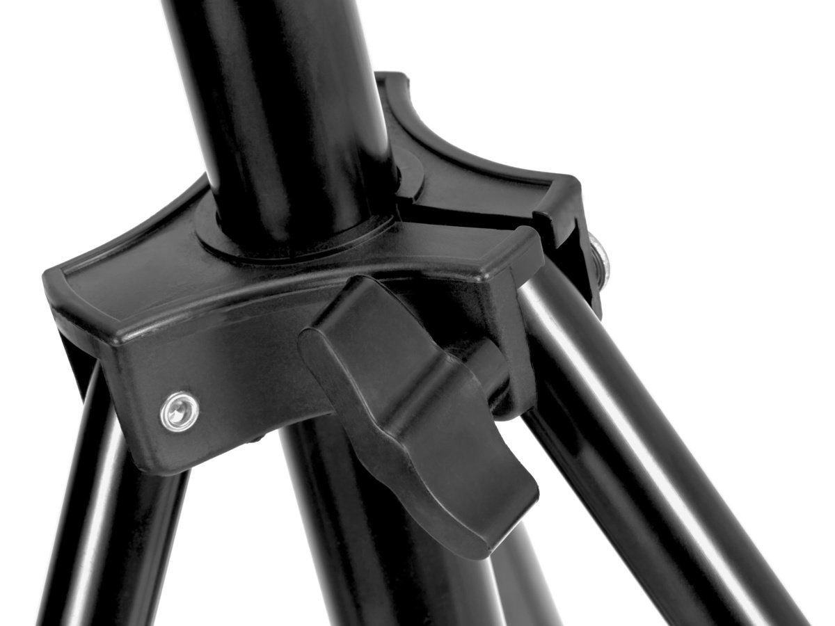 Die Beine werden über eine einfache aber gut funktionierende Klammer aus Kunststoff arretiert.
