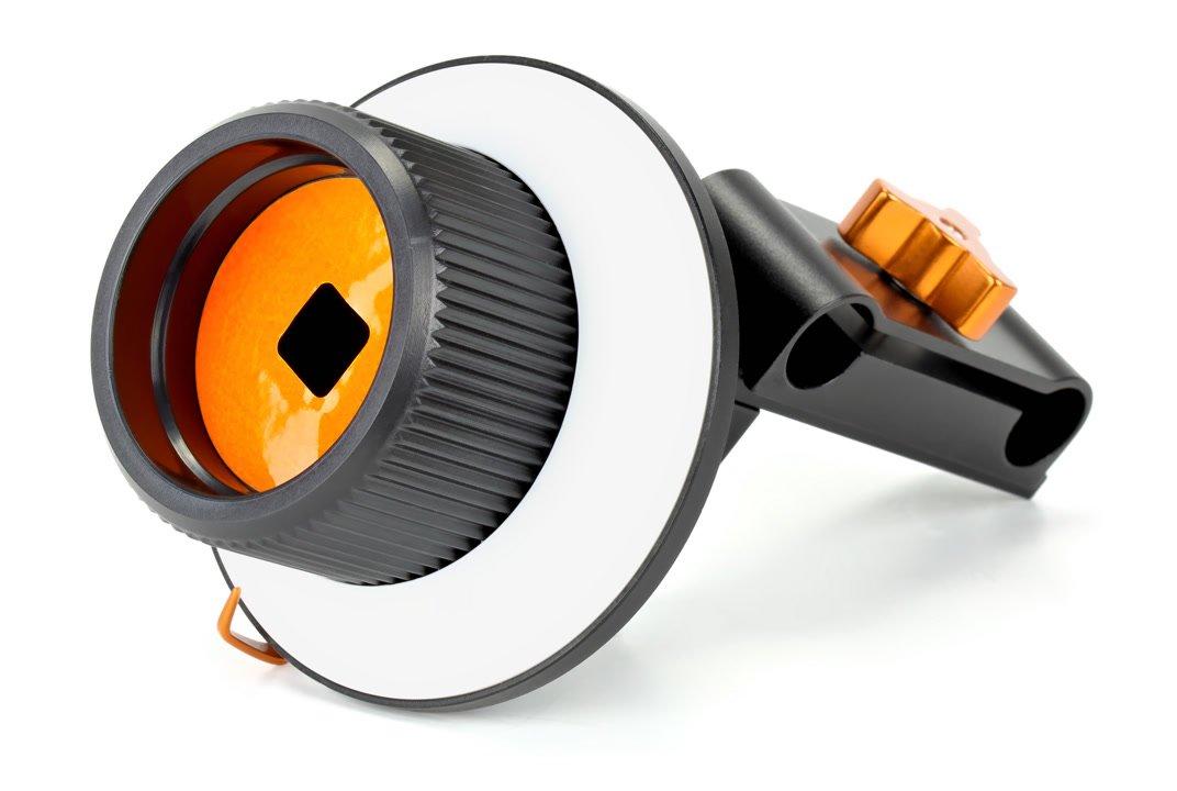 Im Griff ist ein 12x12mm Anschluss für Peitschen.