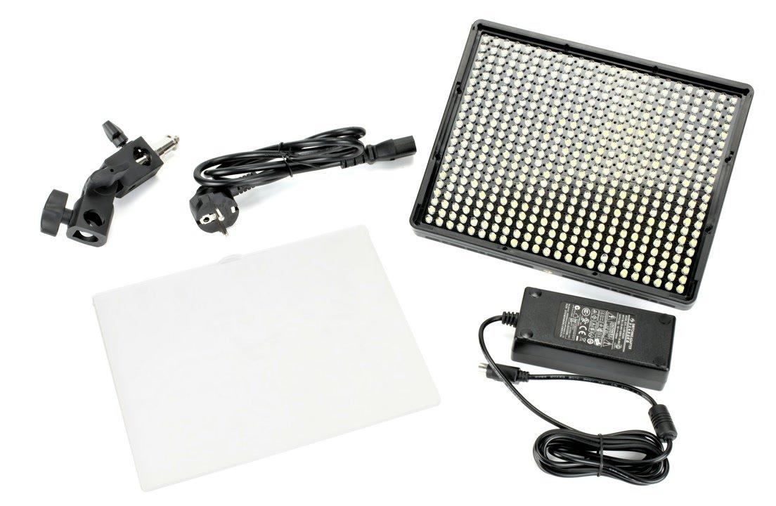 Lieferumfang Aputure AL-528C LED Leuchte.