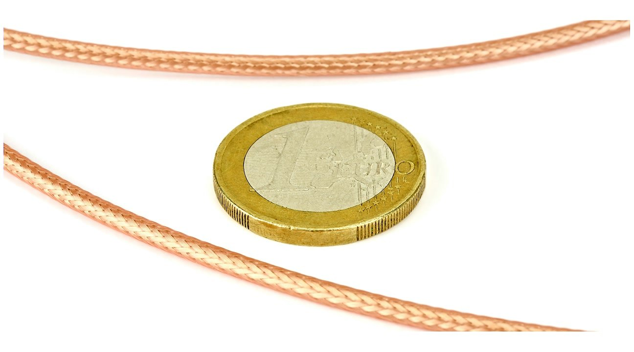 Das HD-SDI Kabel ist sehr dünn und flexibel.