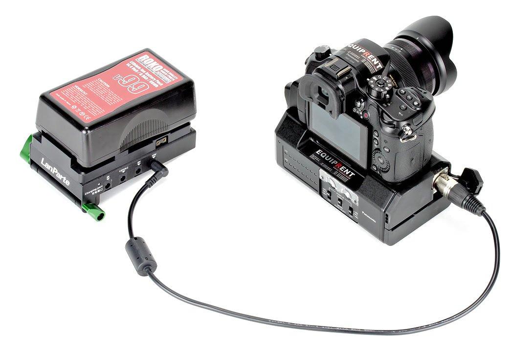 Panasonic GH4 mit YAGH Audiomodul und V-Mount Spannungswandler.