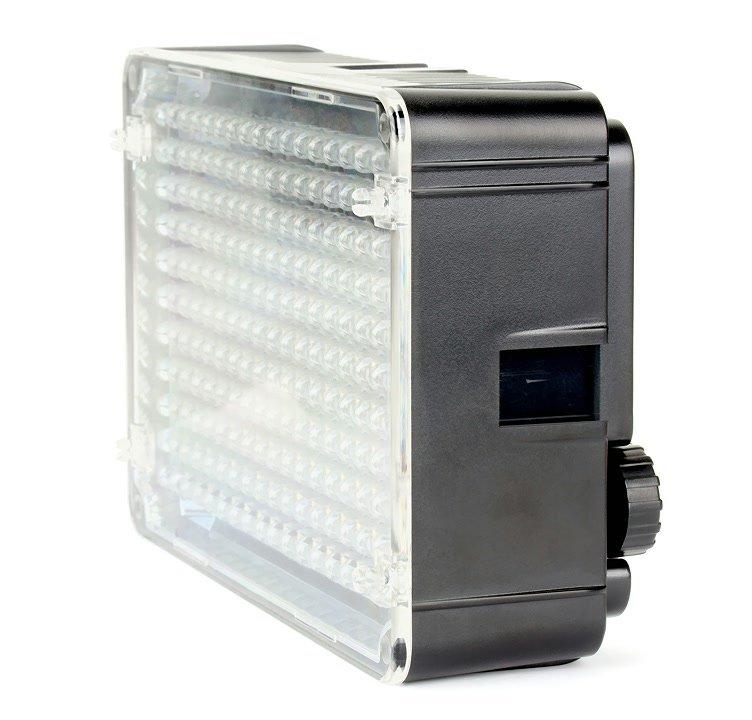 Aputure AL-H198 LED Leuchte von links.
