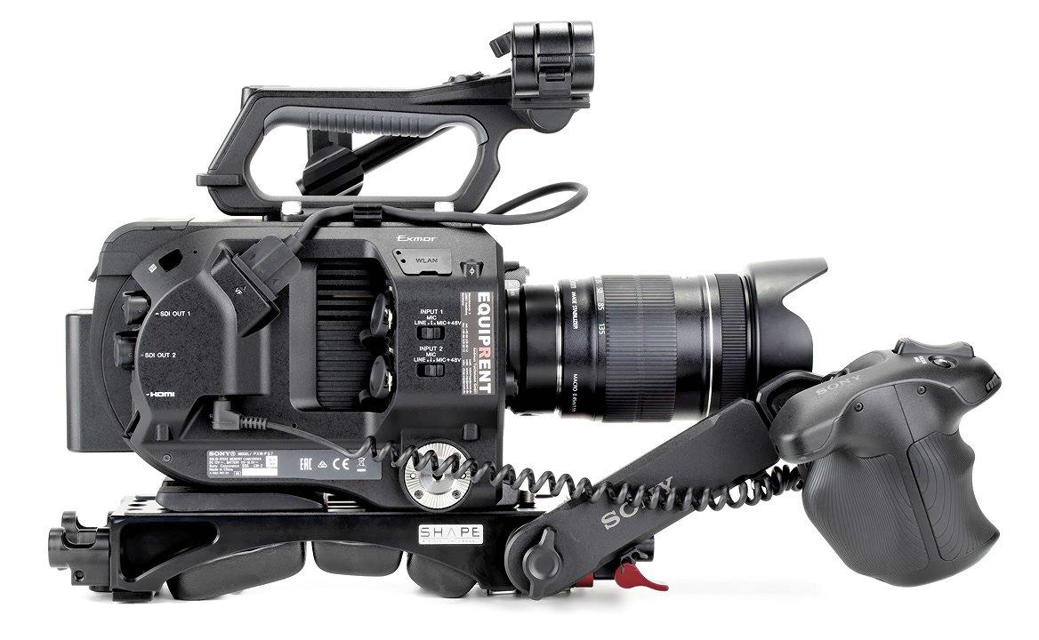 Sony FS7 mit ROKO BP-U110 Akku von der Seite.