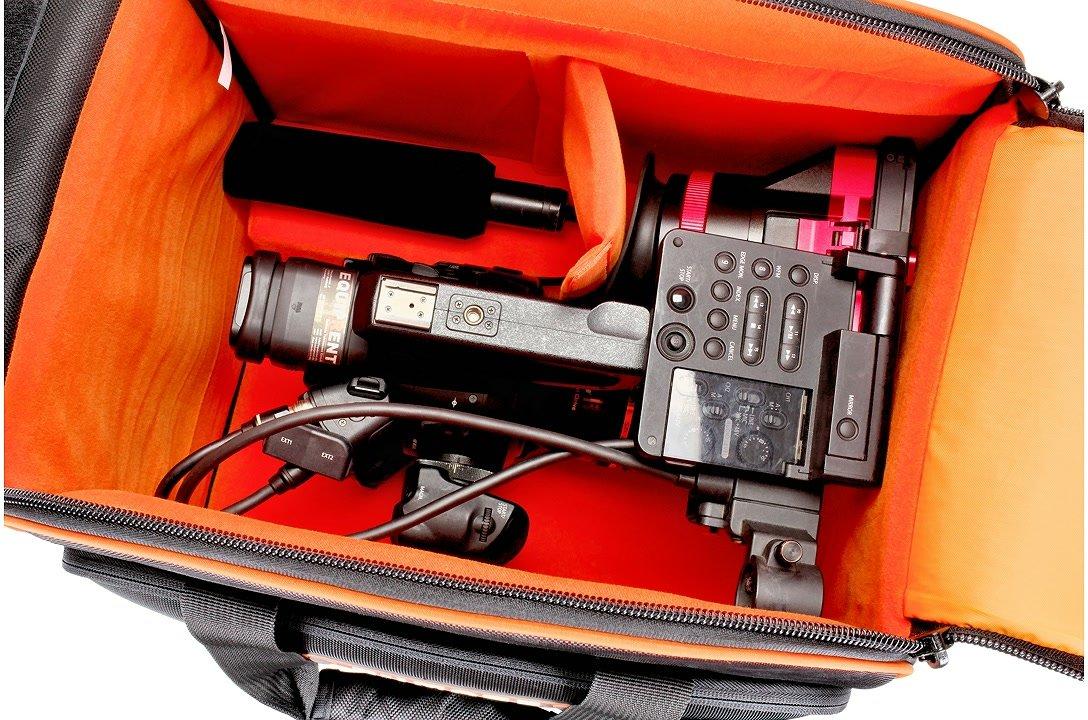 Canon C300 in der Oscar L50 Tasche.