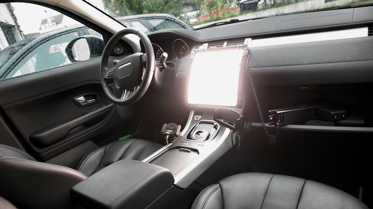 Anwendungsbeispiel Brightcast V15 LED Leuchte im Auto.