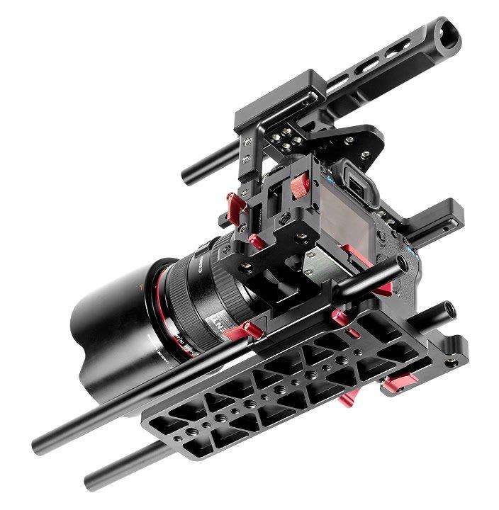 Canon 5D mit Gondor Cage und Dovetail Stativplatte.