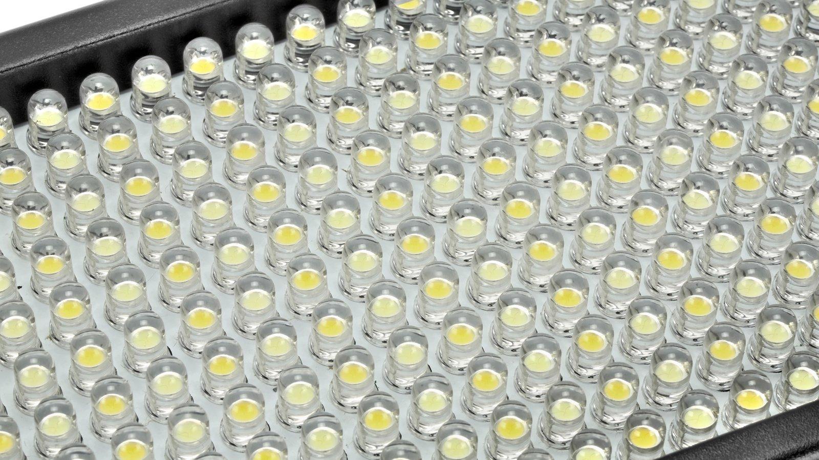 BiColor LEDs lassen sich stufenlos miteinander vermischen.