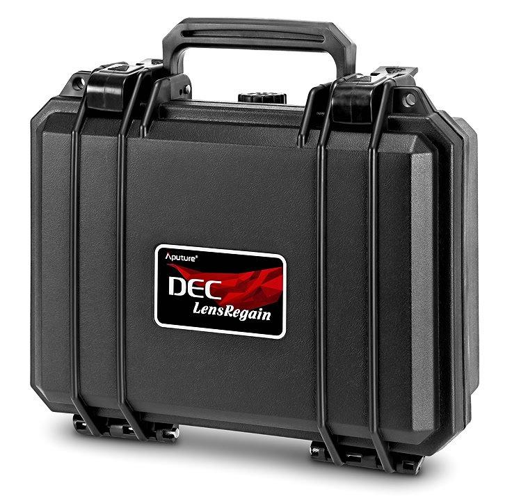 Koffer für gesamtes Zubehör und Objektivadapter.