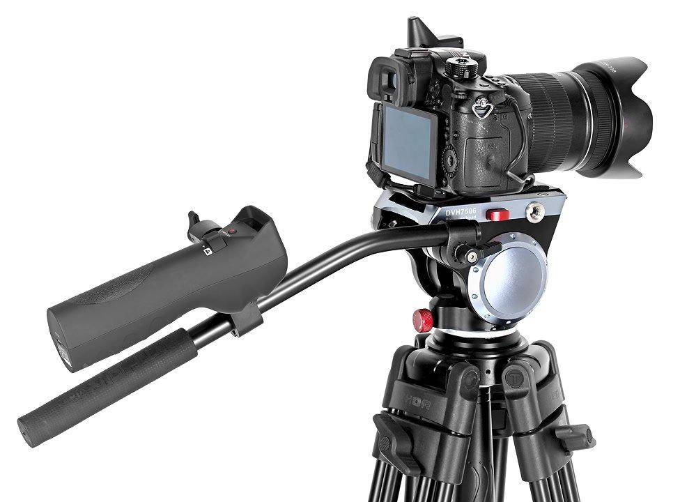 GH4 mit LensRegain Adapter auf Stativ.