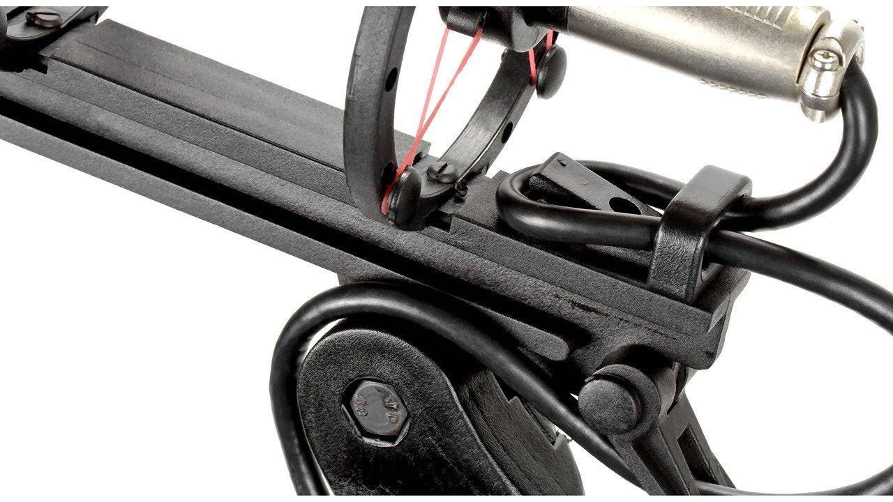 Kabelzugentlastung an Mikrofonhalterung.