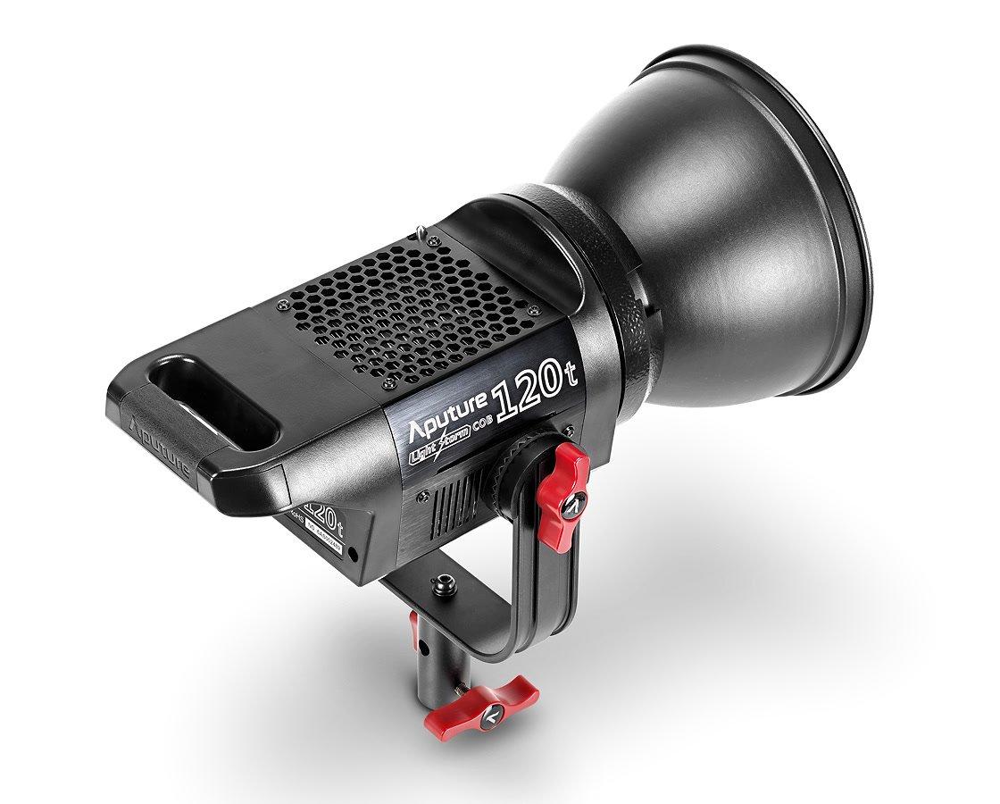 Aputure COB 120t Kunstlicht LED von oben.
