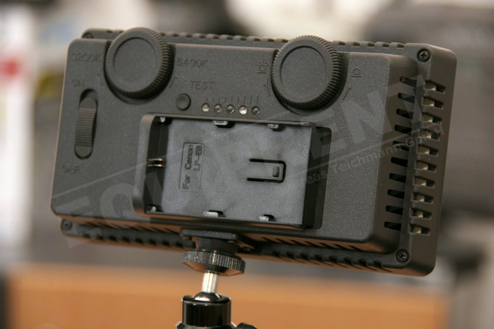 Akkuadapter für CN-240CH LED Leuchte (für Canon LP-E6) Foto Nr. 1