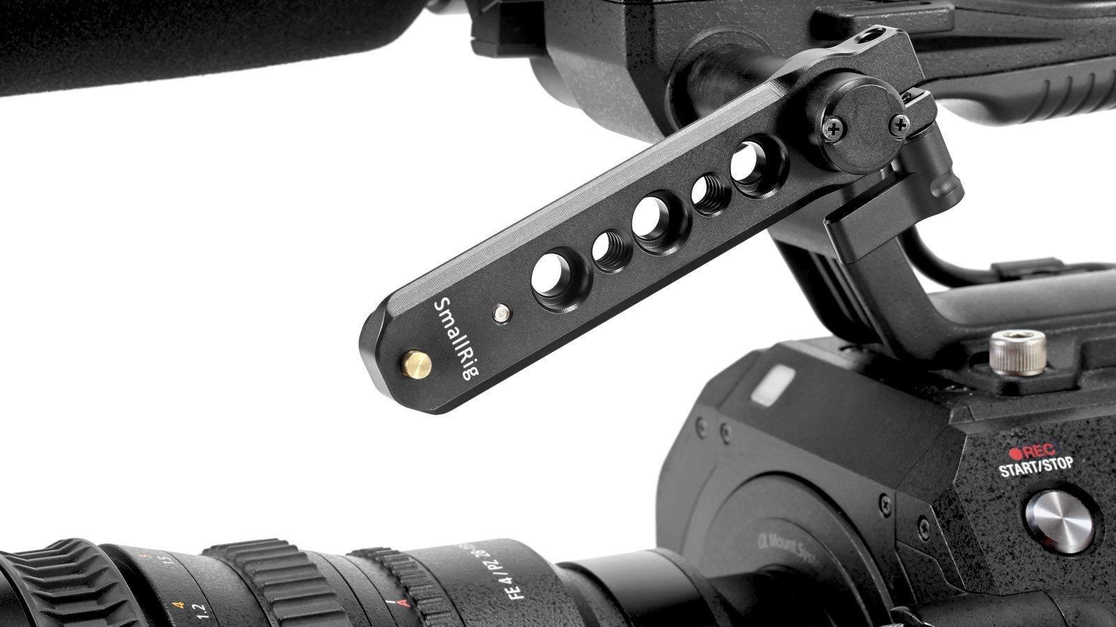 Schiene lässt sich als EVF Verlängerungsarm an der Sony FS7 nutzen.