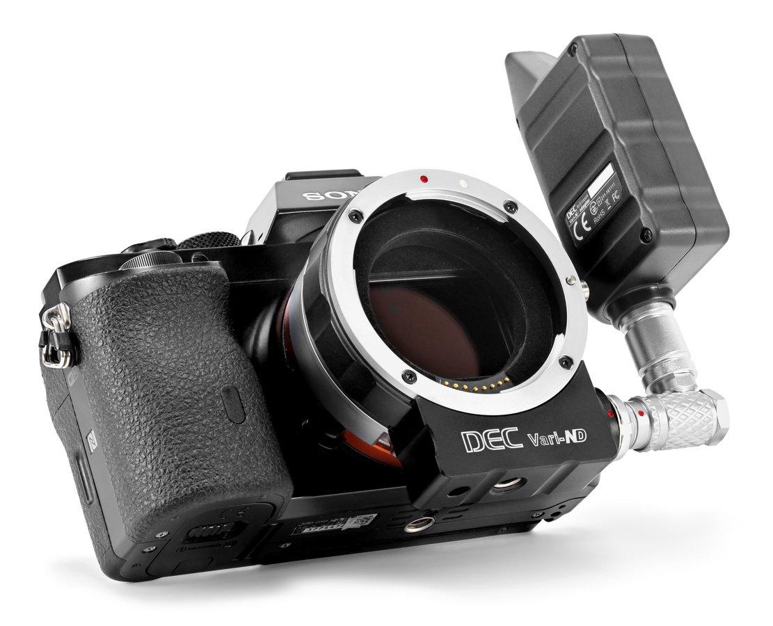 Sony A7s mit Aputure DEC Vari-ND Objektivadapter.