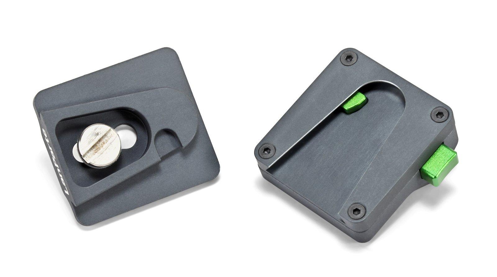 Schnellwechselplatte wird automatisch im MQR-01 Adapter arretiert.