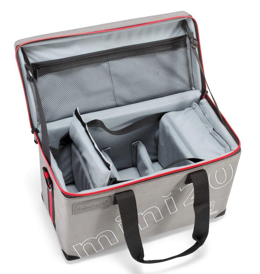 In der Transporttasche findet das gesamte Zubehör der Leuchten platz.
