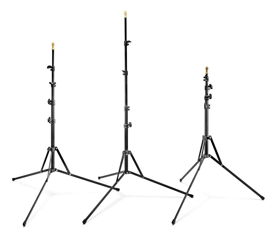 Die zum Kit zugehörigen Lichtstative sind vierfach ausziehbar bis 190cm.
