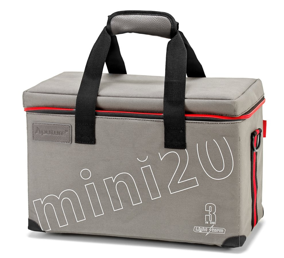 Die mitgelieferte Transporttasche ist aus Nylon und hat anpassbare Fächer.