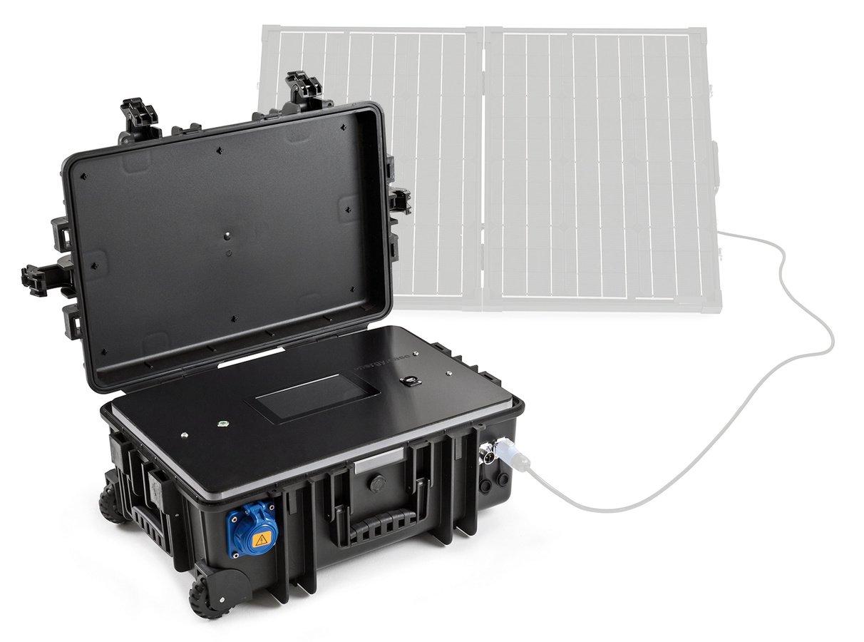 Es können bis zu zwei Solar Module an den Koffer angeschlossen werden.