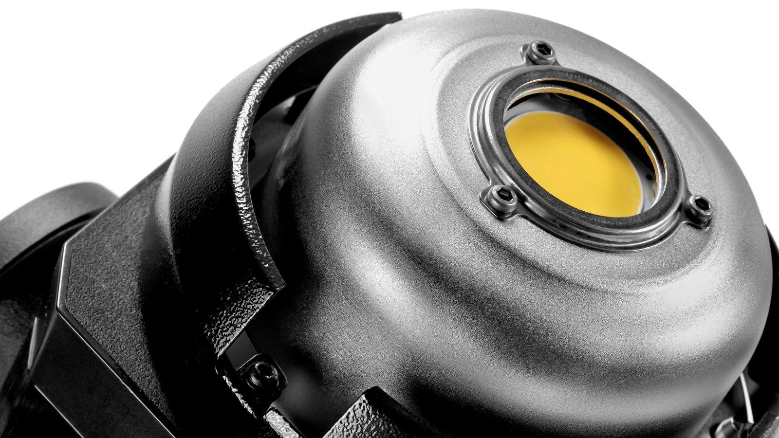 Die Tageslicht SMD wird durch eine Acrylglasscheibe geschützt.