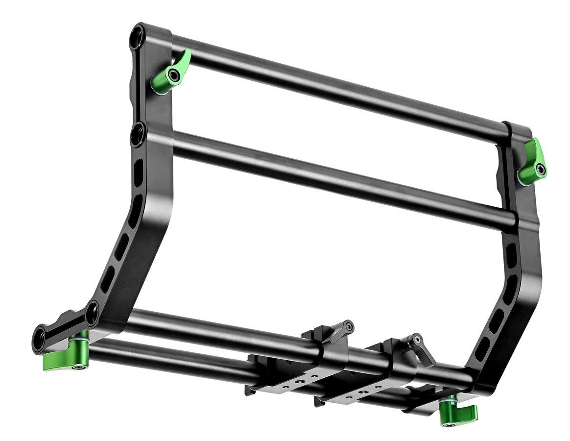Es können zusätzliche Rig Teile auf den 15mm Rods montiert werden.