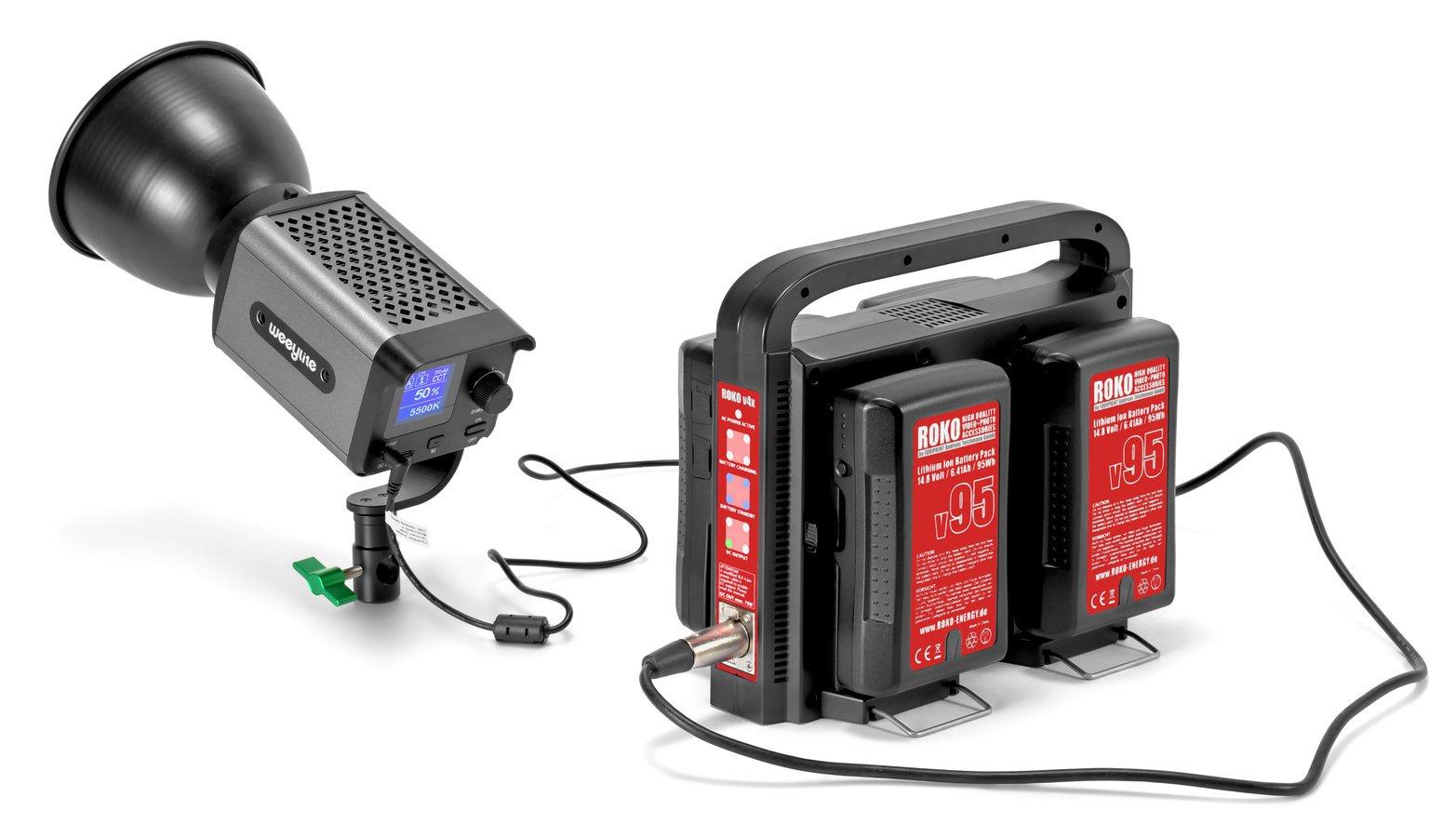 Das Ladegerät kann die aufgesteckten Akkus nutzen um andere Geräte mit Strom zu versorgen.