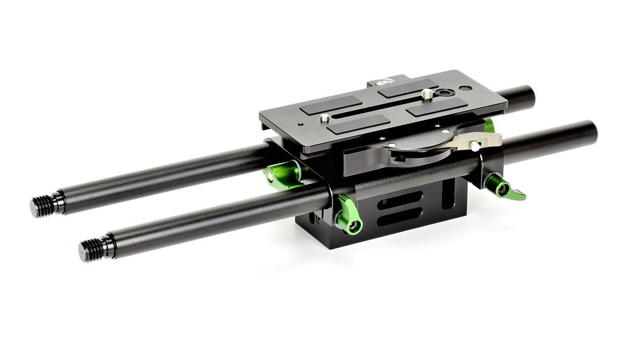 Baseplate hat höhenverstellbare Rod-Aufnahmen.