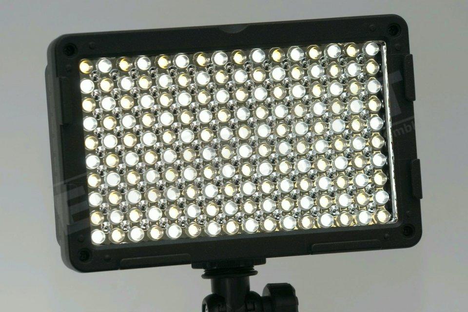 Luxotron CN-160CA kompakte BiColor LED Leuchte mit High-Power-Mode Foto Nr. 4
