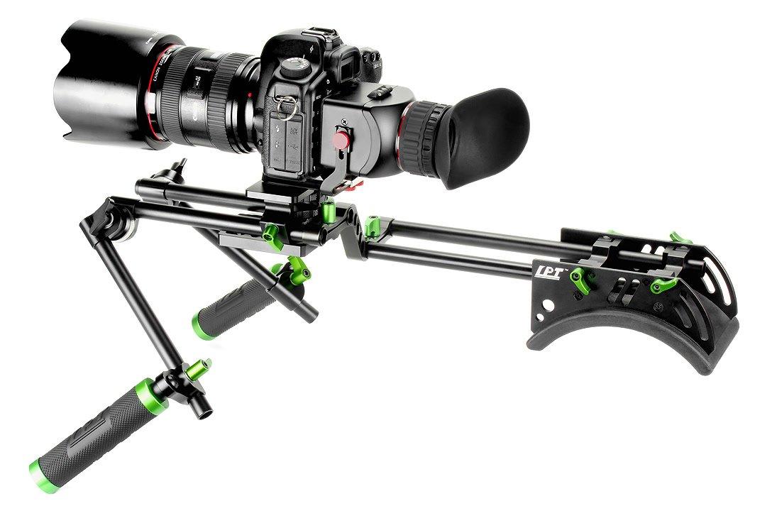 Canon 5D Mark II mit Displaylupe und Lanparte Offset Rig.