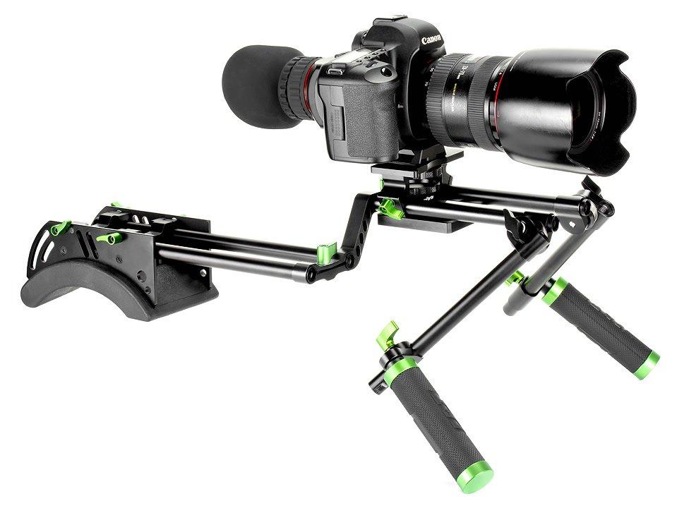 Canon 5D auf Lanparte Offset Rig von vorne rechts.