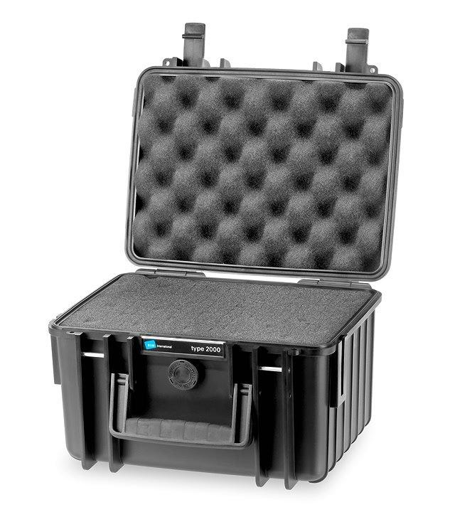 B&W type 2000 Koffer mit Schaumstoffeinsatz offen.
