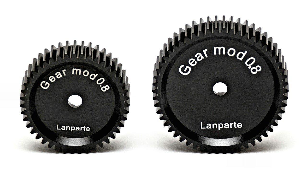 Grössenvergleich normales und grosses Lanparte Mod 0.8 Zahnrad.
