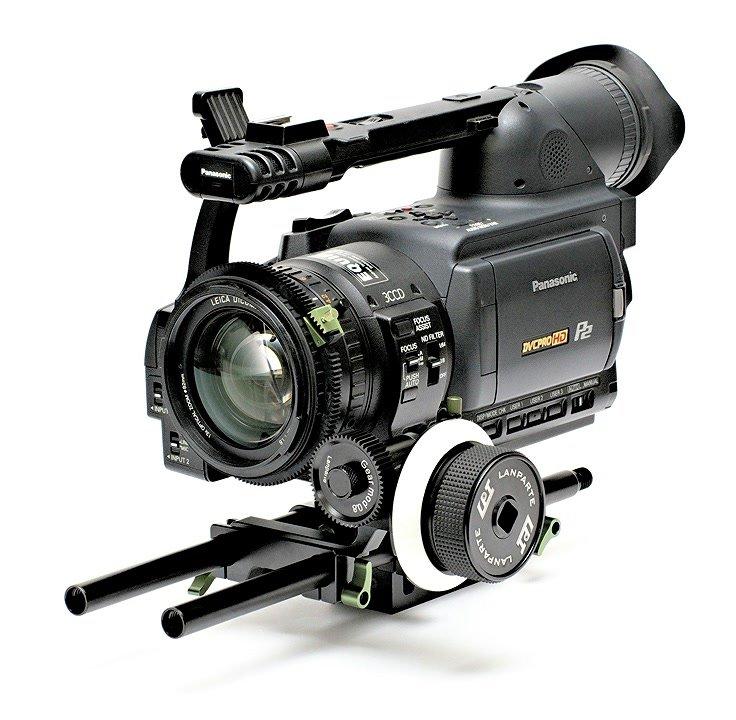 Panasonic HVX200 mit Lanparte Follow Focus und grossem Zahnrad.