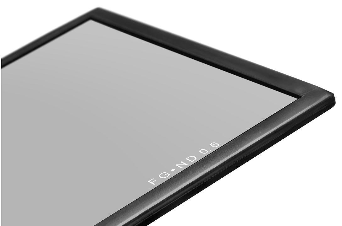 Schwarzer Rahmen am Cavision ND 0.6 Filter.