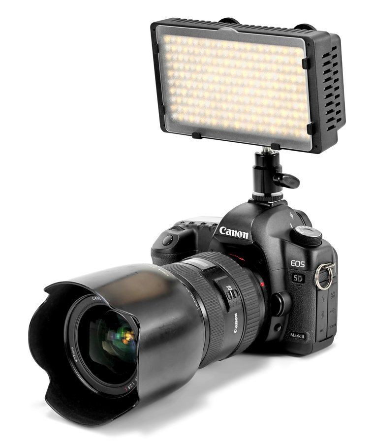 Canon 5D Mark II mit CN-240CH LED Leuchte.