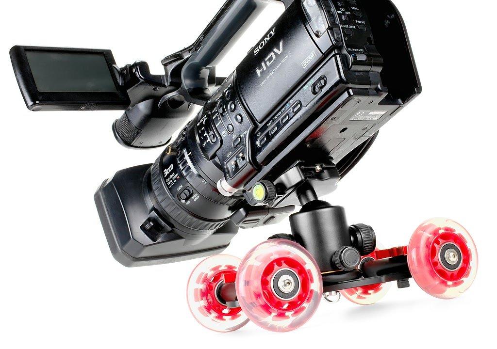 Der Kugelkopf trägt auch Kameras wie die Sony Z1.