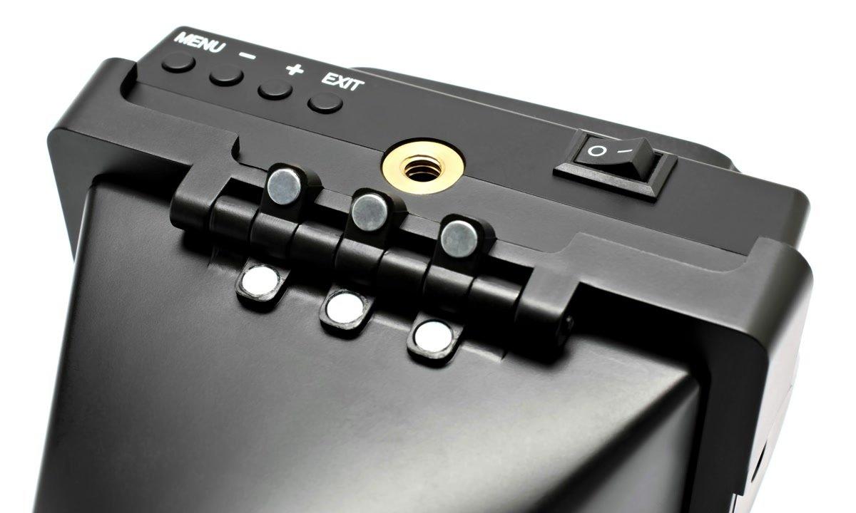 ROKO HD35 EVF Magnethalterung der Displaylupe.