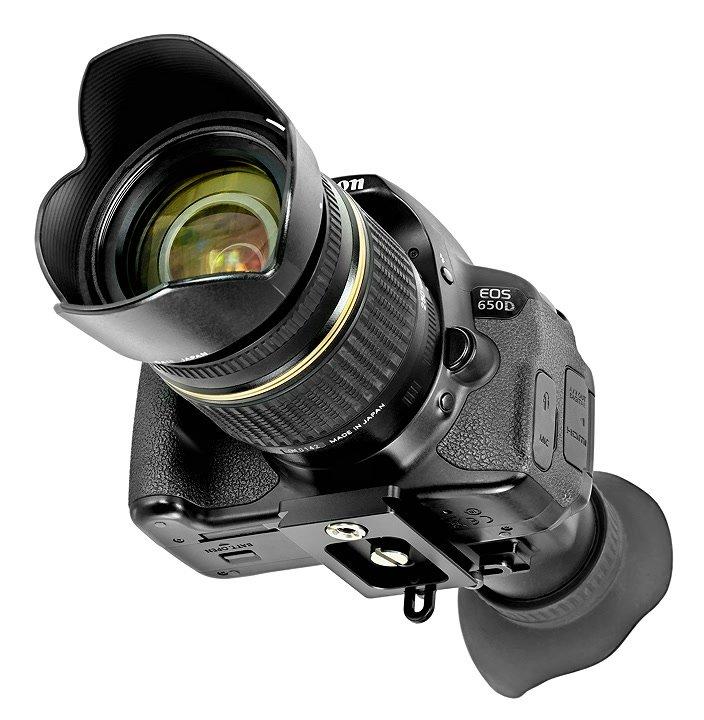 Canon 650D mit Displaylupe von vorne.