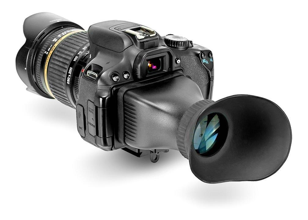 Canon 650D mit Displaylupe von hinten.