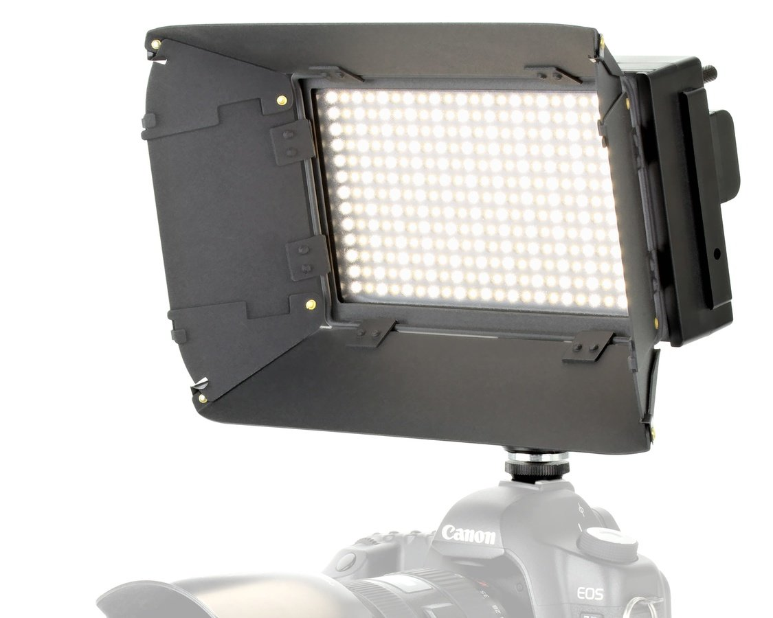 ROKO LED312 leistungsstarke BiColor LED Akkuleuchte mit Akku + Zubehör.