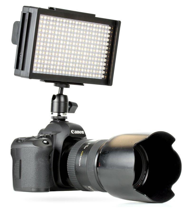 ROKO LED312 Akkuleuchte mit Canon 5D Mark II.