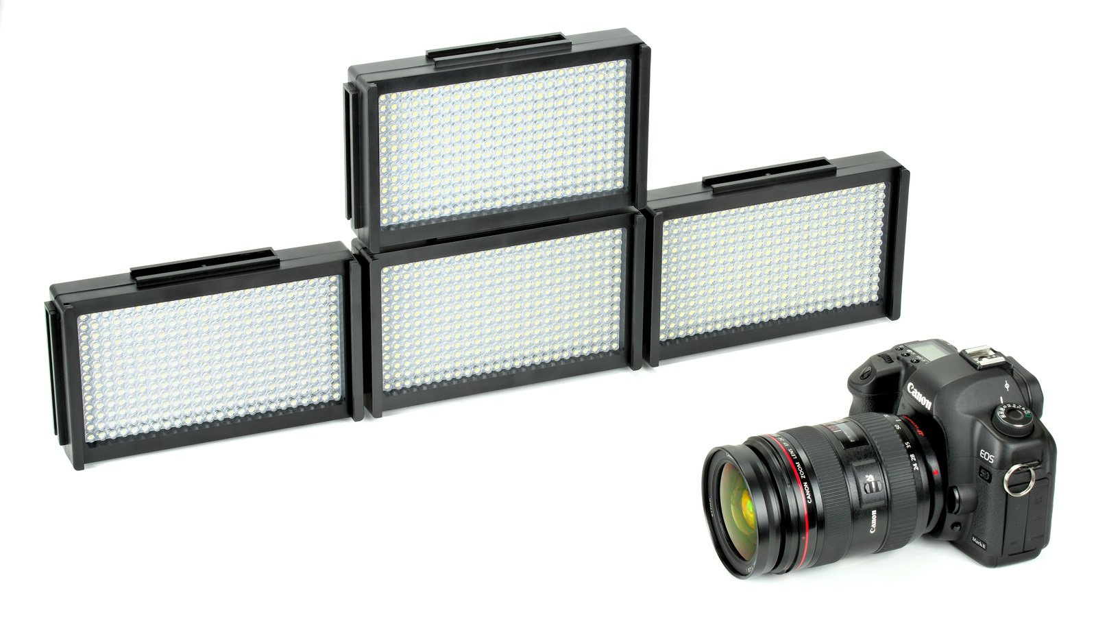 Vier ROKO LED312 zusammengesteckt.