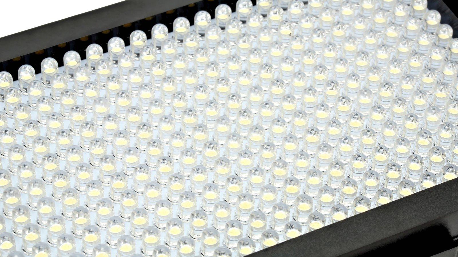 312 BiColor LEDs sind verbaut.
