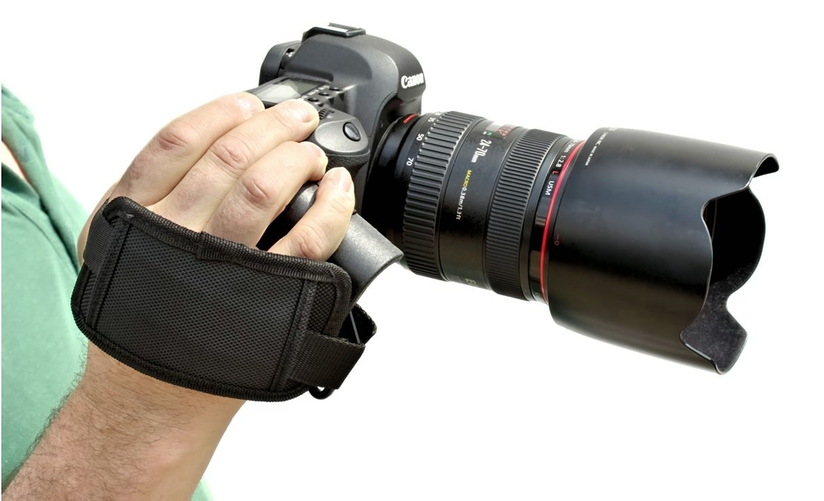 Camcorder Griff mit Canon DSLR im Einsatz.